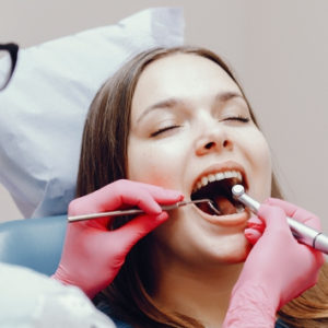 Korona tanio stomatologia